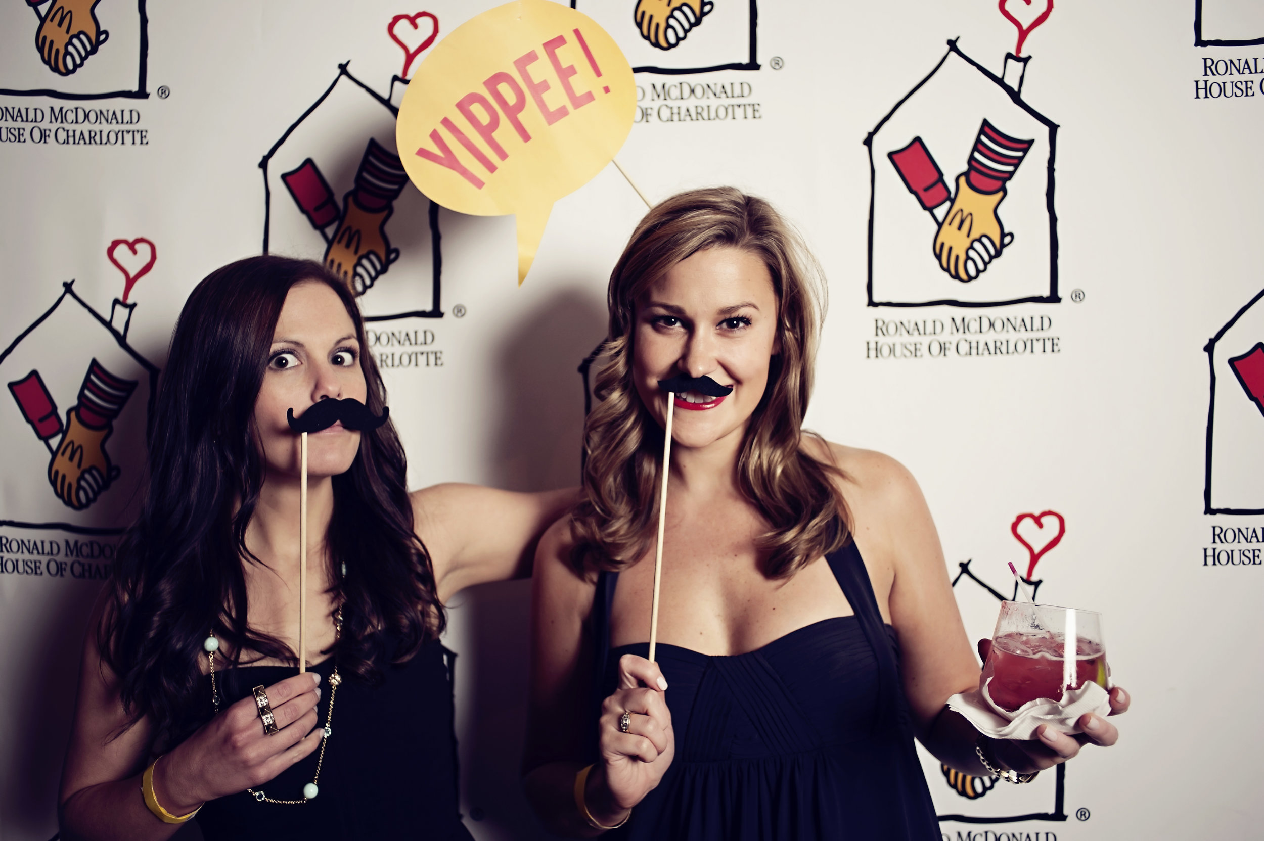 girls night out {happybooth}-055.jpg