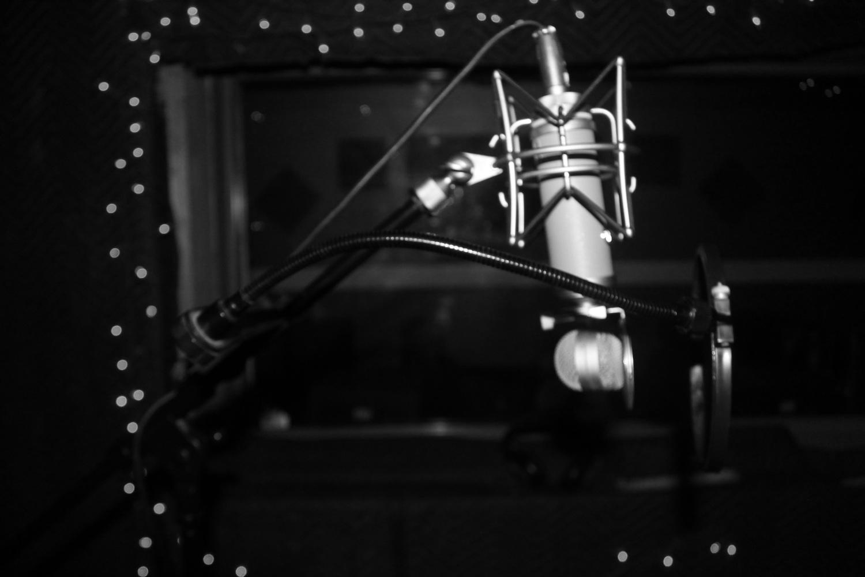 black and white mic (1).jpg