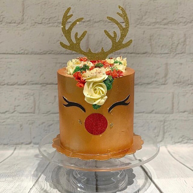 Order this cutie for your holiday festivities  Rudolph Red Nose Cake is $50  To place your order email julie@cakeaholicobsession.com  Cake designed by @ajcakejourney 😘