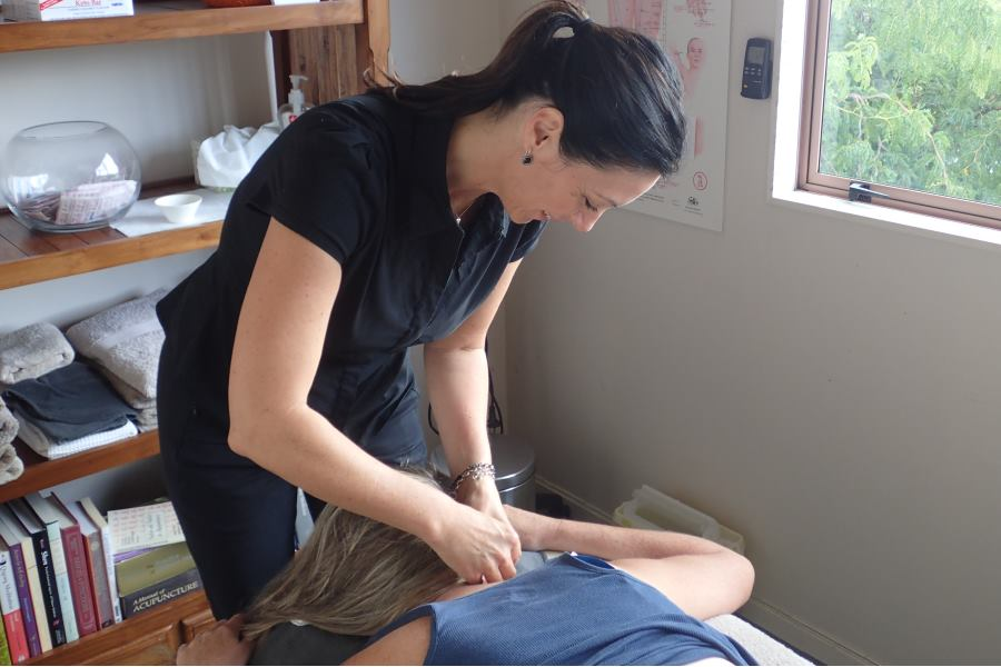 Clinic 38 Acupuncture Treatment for Neck Pain