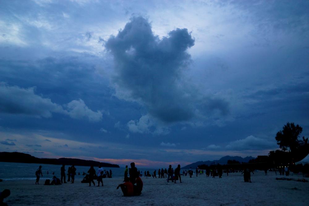12 light cloud.jpg