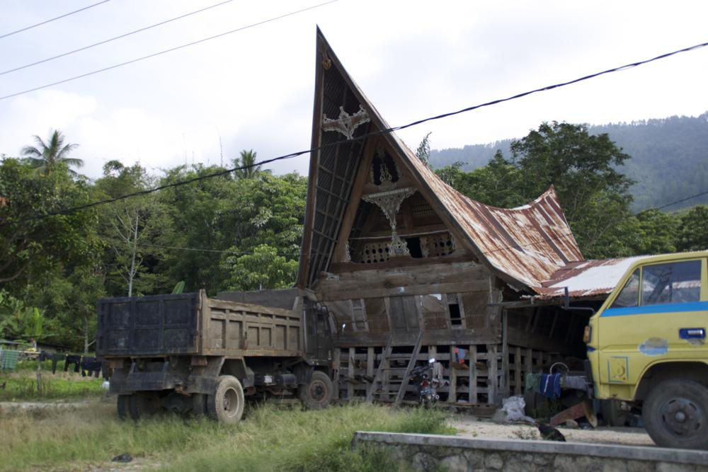 3 batak house.jpg
