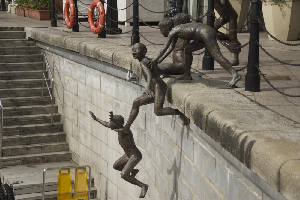 15 kid statue.jpg