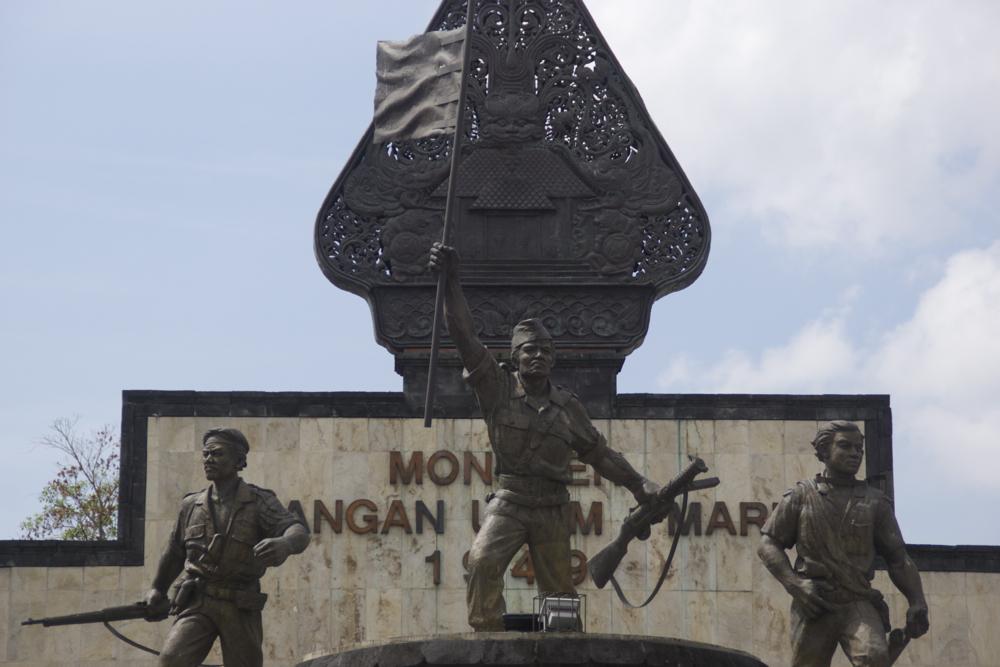 8 statue.jpg