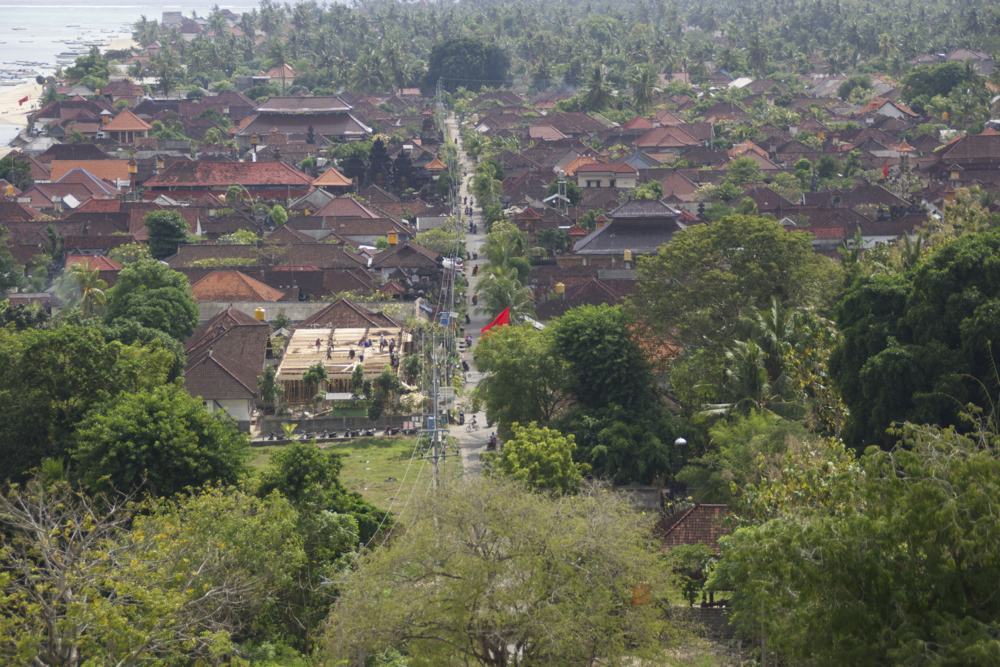View of the main road in Nusa Lembongan