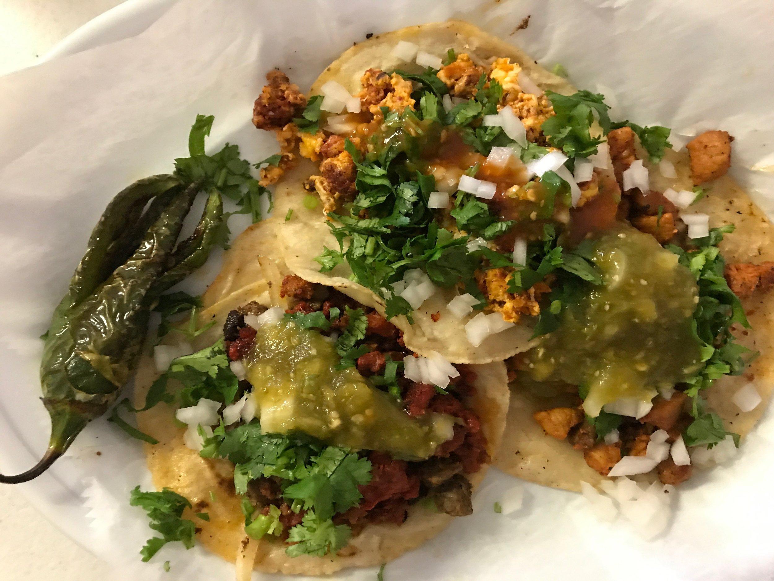 Tacos y chili toreado