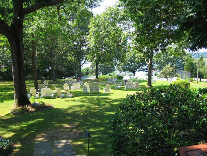 Hamptons_Shelter_Island_Events_Rams_Head_Inn___15.jpg