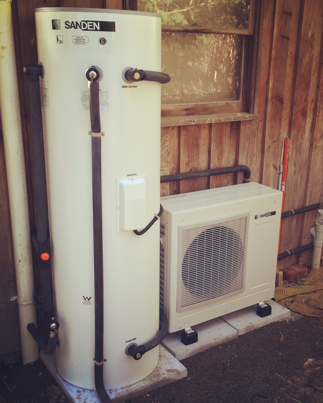 Sanden 250ltr CO2 heat pump. Solar hot water without the sun!