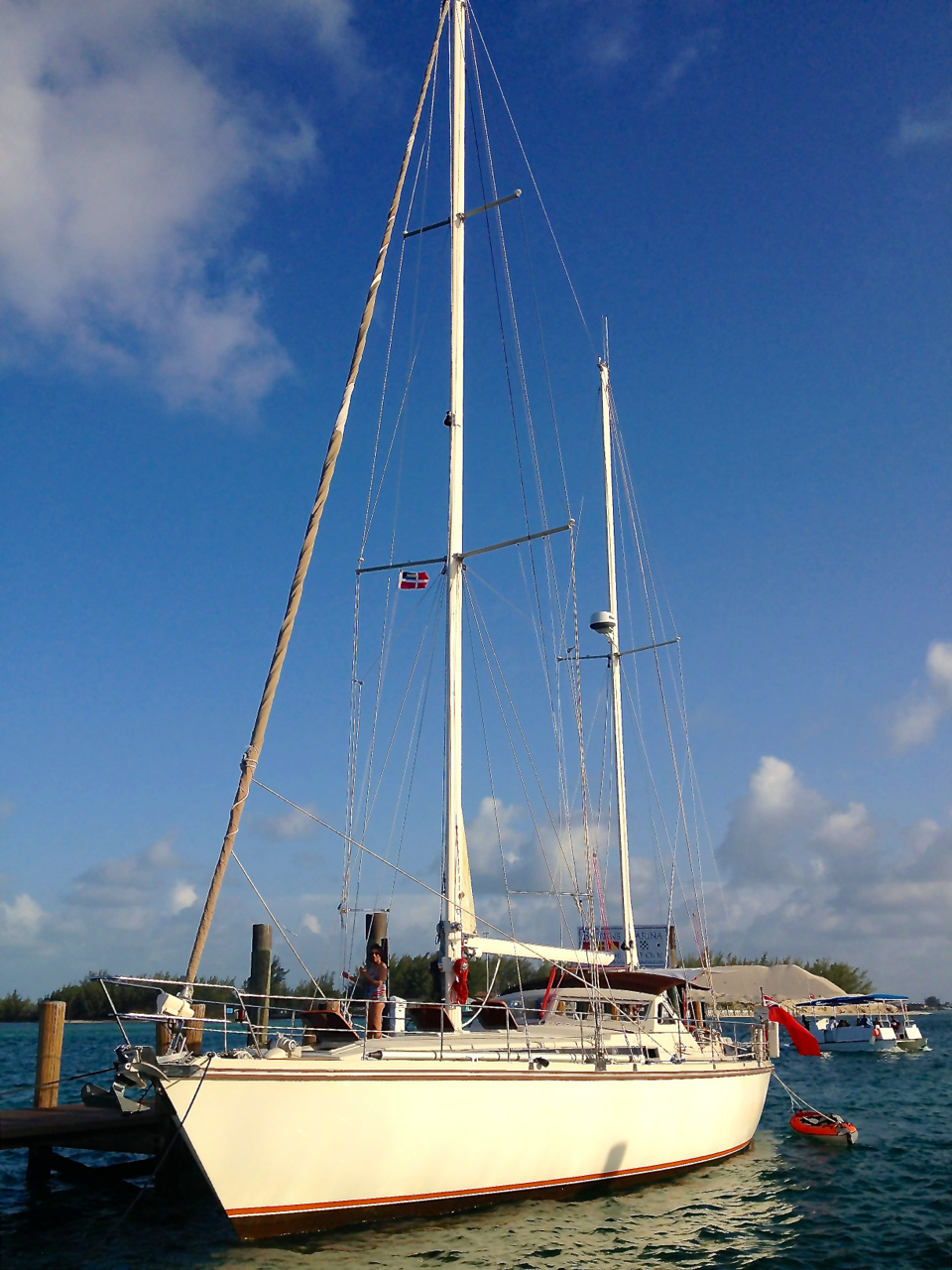 Browns Marina, Bimini, 30 July 2013, iPhone 4S @ f/2.4, ISO 50