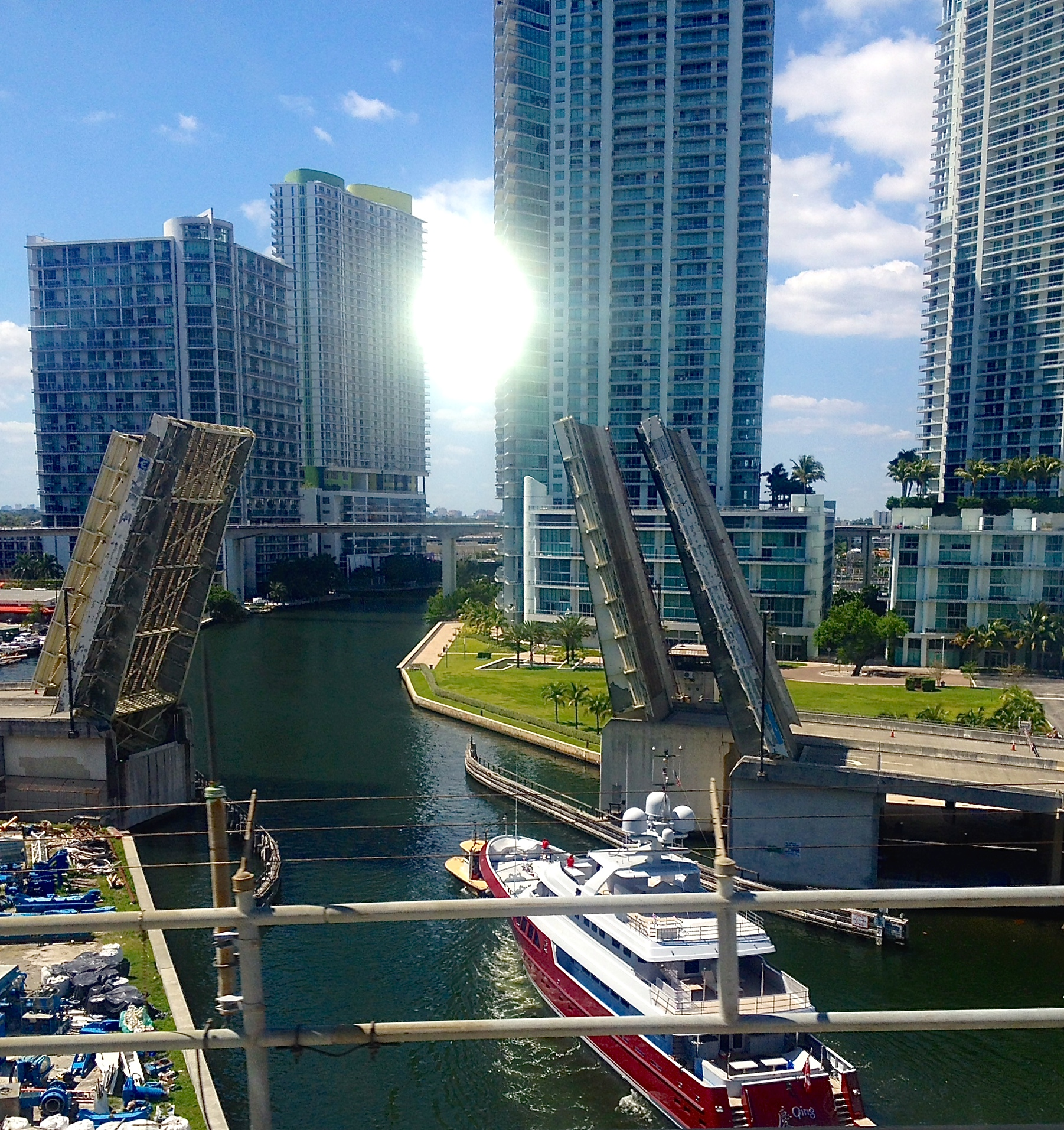 Miami Avenue Bridge open by request of  Qing, a 46-meter Cayman Islands boat that just a couple of months ago was known as Mazu .