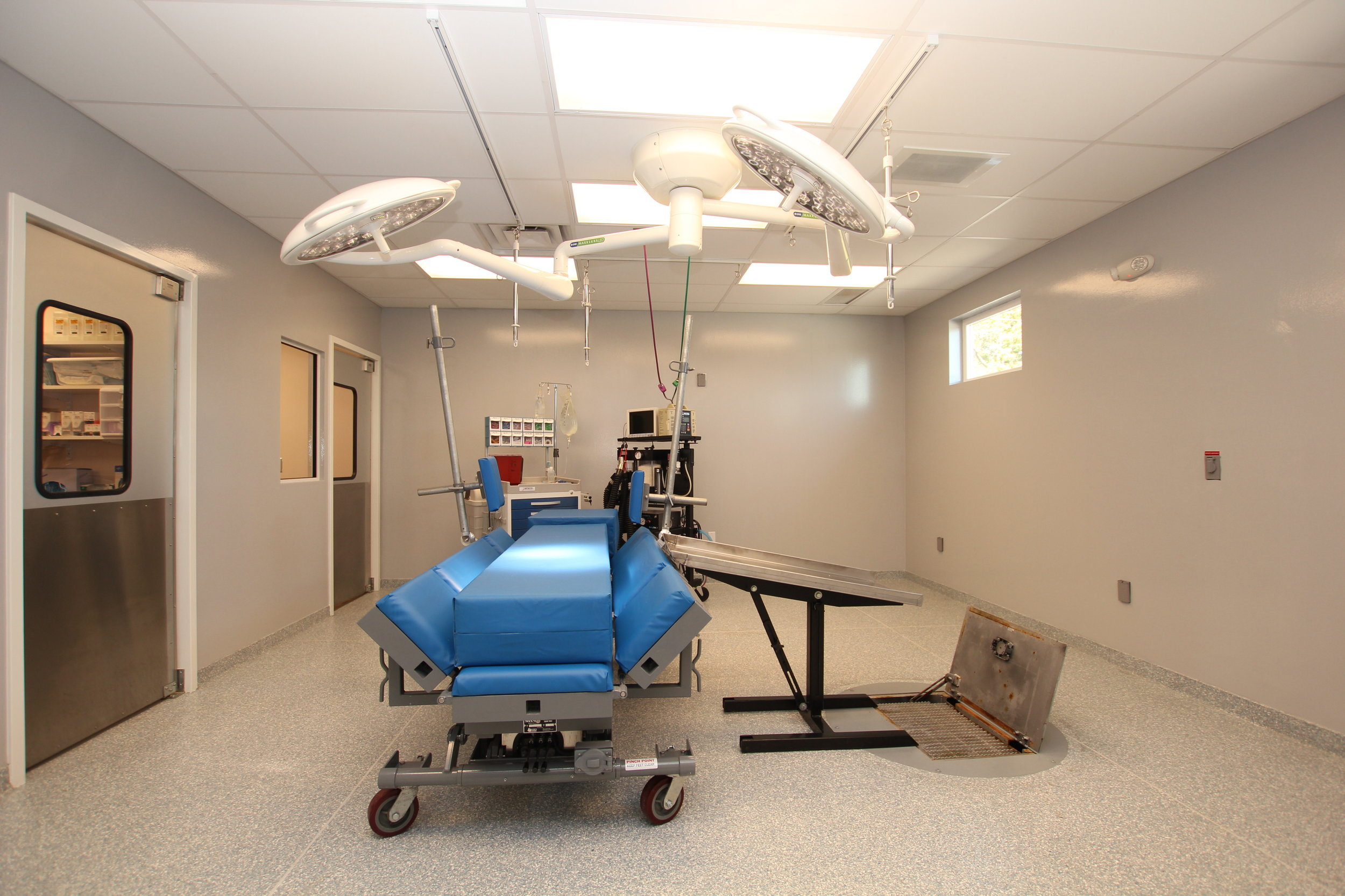Fully equipped surgical suite