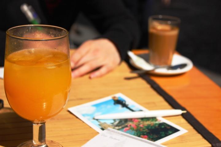 旅に出たら、旅先からポストカードを帰国後の自分や友人に宛てて。写真はスペイン・アンダルシアの思い出。