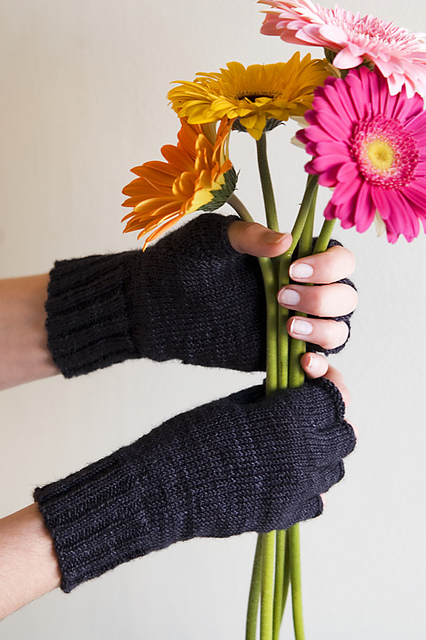 We love the Thespian Gloves by KnitCulture are simple and beautiful, with the nice added touch of separate fingers that you don't see much in mitts.