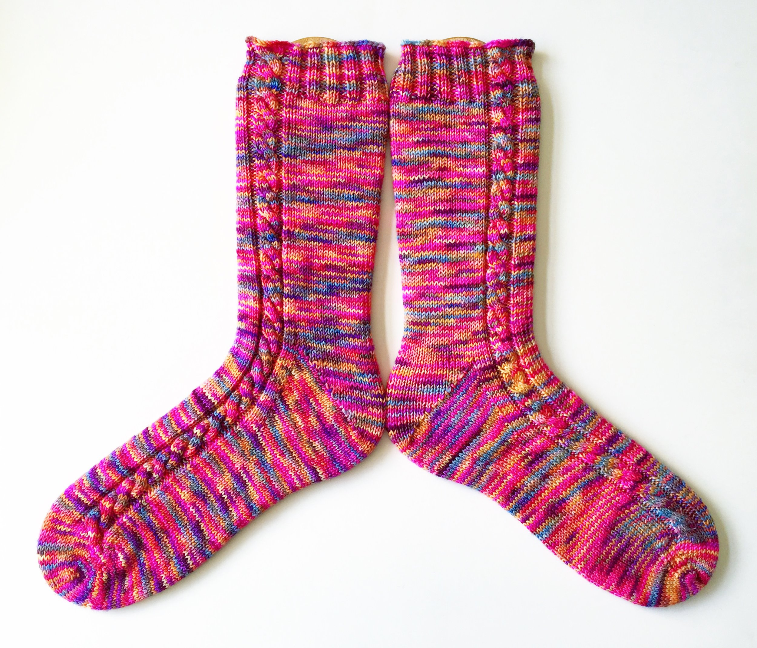"""Socks on a Plane"" is a free knitting pattern by Laura Linneman  that uses the same type of base recipe."