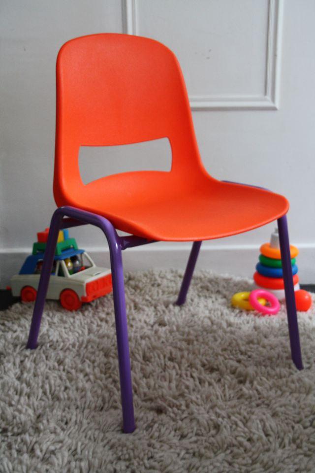 chaises-kokette-rouge-garden-orange-violet.jpg