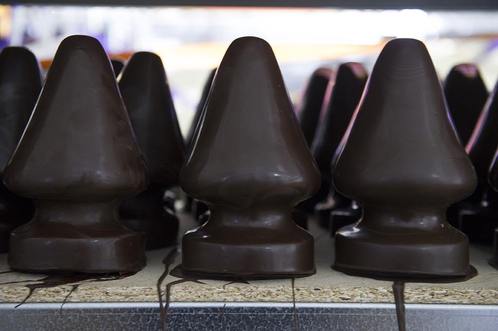 Sapins en chocolat © Didier PLOWY.jpg
