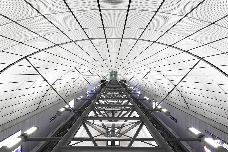 Subway Station Hamburg.jpg