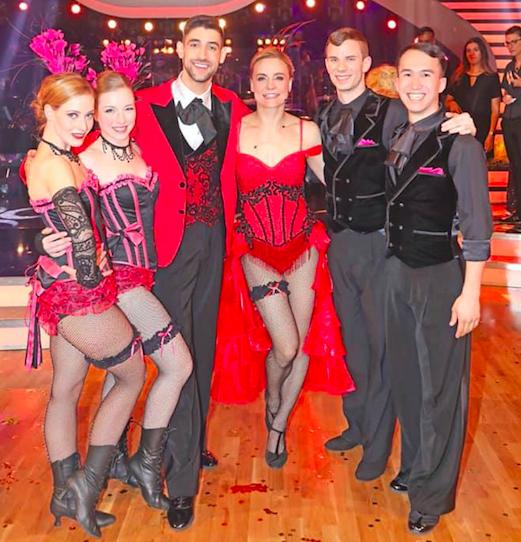 Photografie: A. Breinl (Moulin Rouge Showteam: Dimitar Stefanin, Helene Exel, Elisabeth Sperr, Sascha Gent, Rene Friesacher und Nicole Wesner)