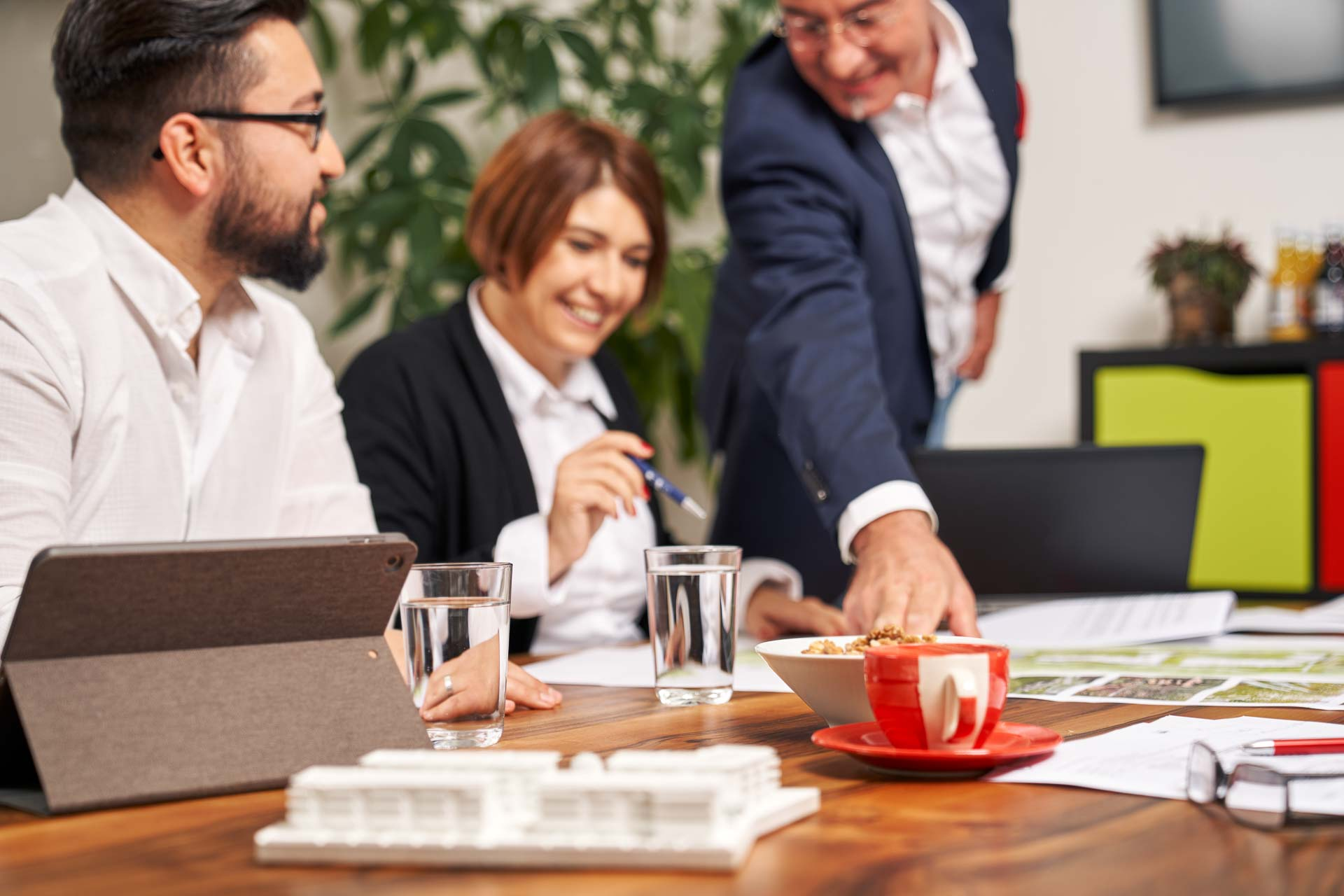 Meetingsituation in einem Büro