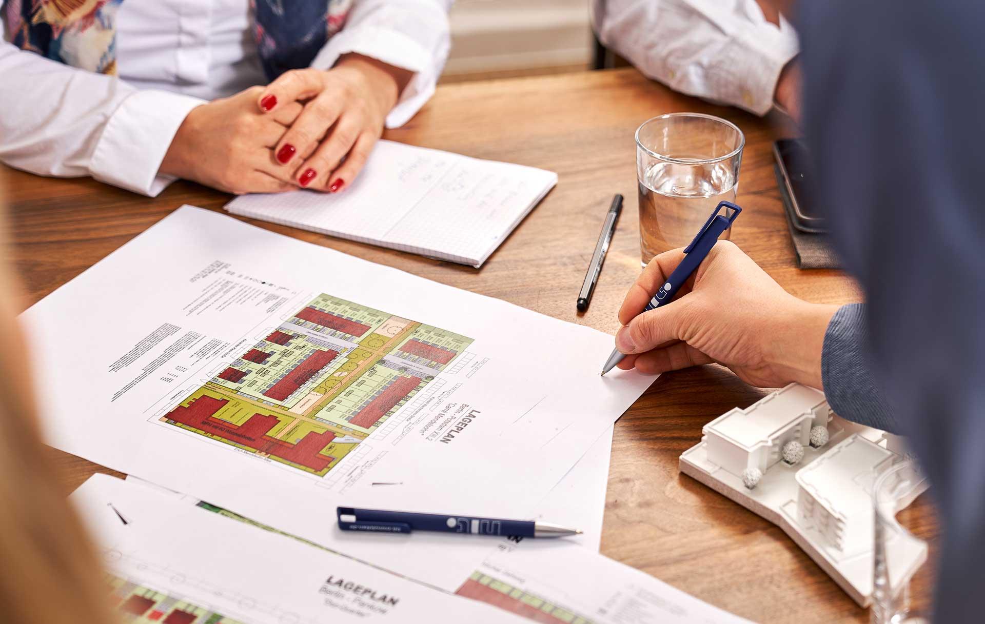 Corporateshooting für die neue Webseite und zur Gewinnung von neuen Mitarbeitern. Fotografiert in einer Villa in Berlin Zehlendorf.
