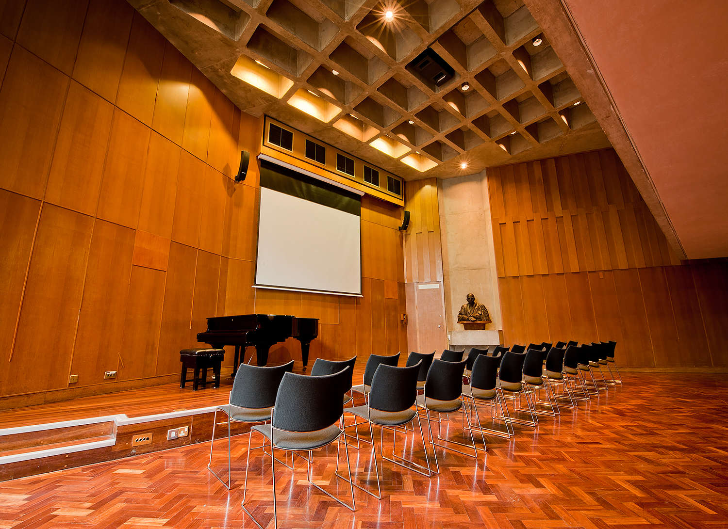 commercial-interiors-kings-college-theatre.jpg