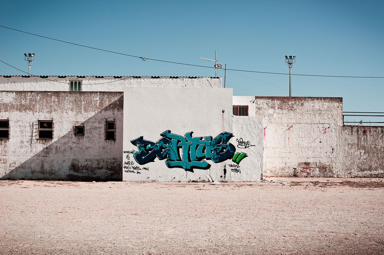 lisa-lee-photography-urban-landscapes-portugal-3.jpg