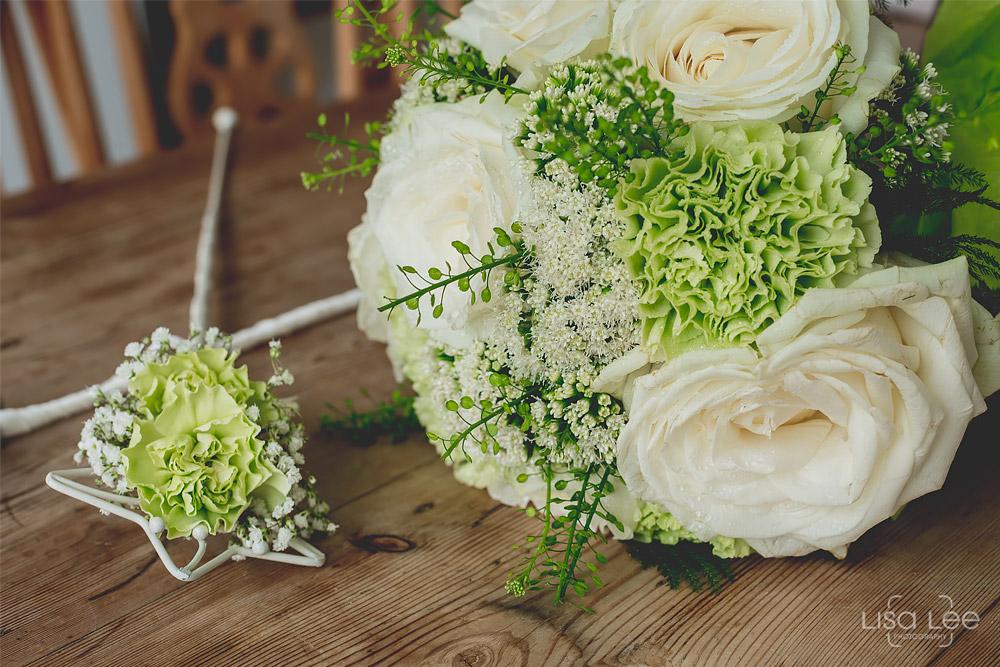 Dave&Vicky-Dorset-Wedding-Christchurch-7.jpg