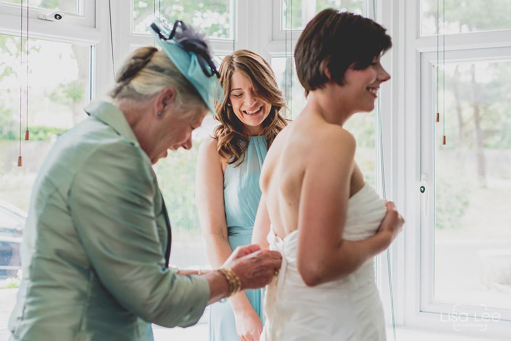 Dave&Vicky-Dorset-Wedding-Christchurch-17.jpg