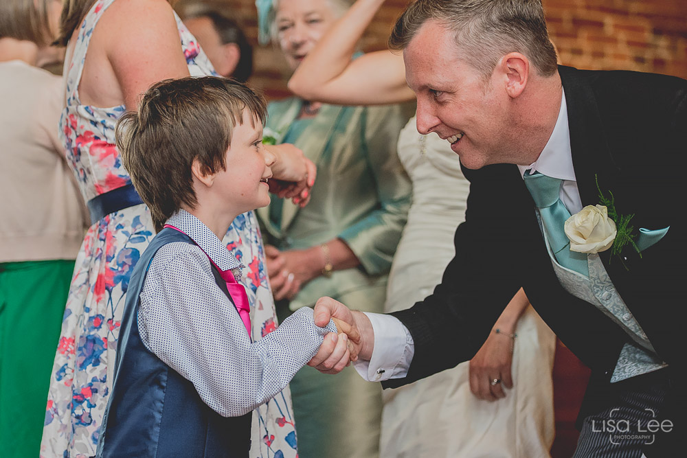Dave&Vicky-Dorset-Wedding-Milton-Barns-New-Milton-8.jpg