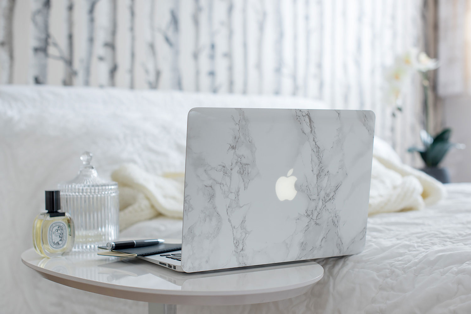 Product photography - Smoke & marble
