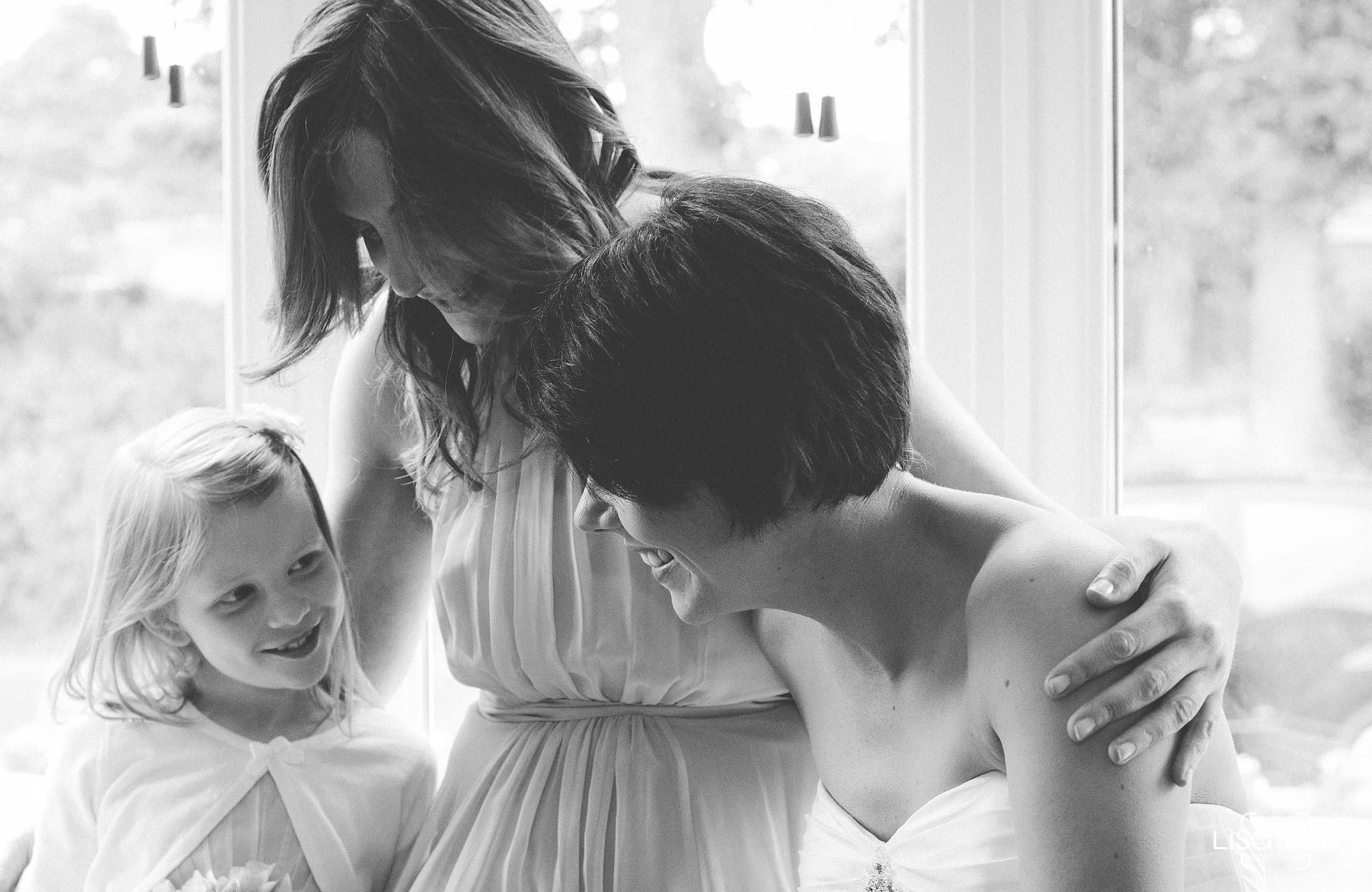 lisa-lee-wedding-photography-burton-gettingready2.jpg