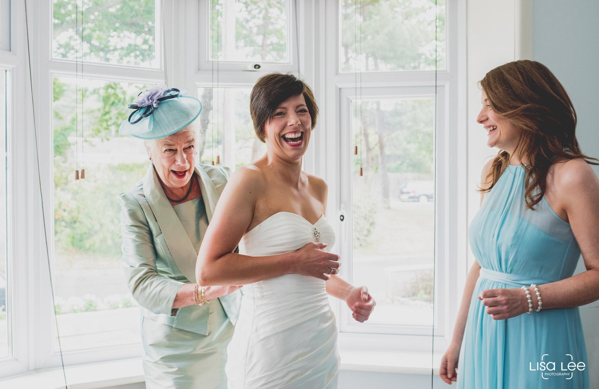lisa-lee-wedding-photography-burton-gettingready.jpg