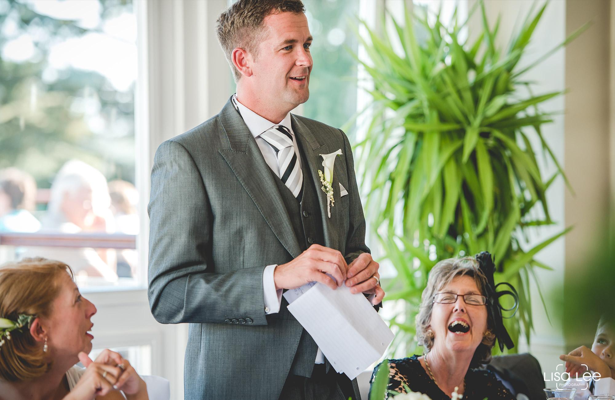 lisa-lee-wedding-photography-christchurch-dorset-speech2.jpg