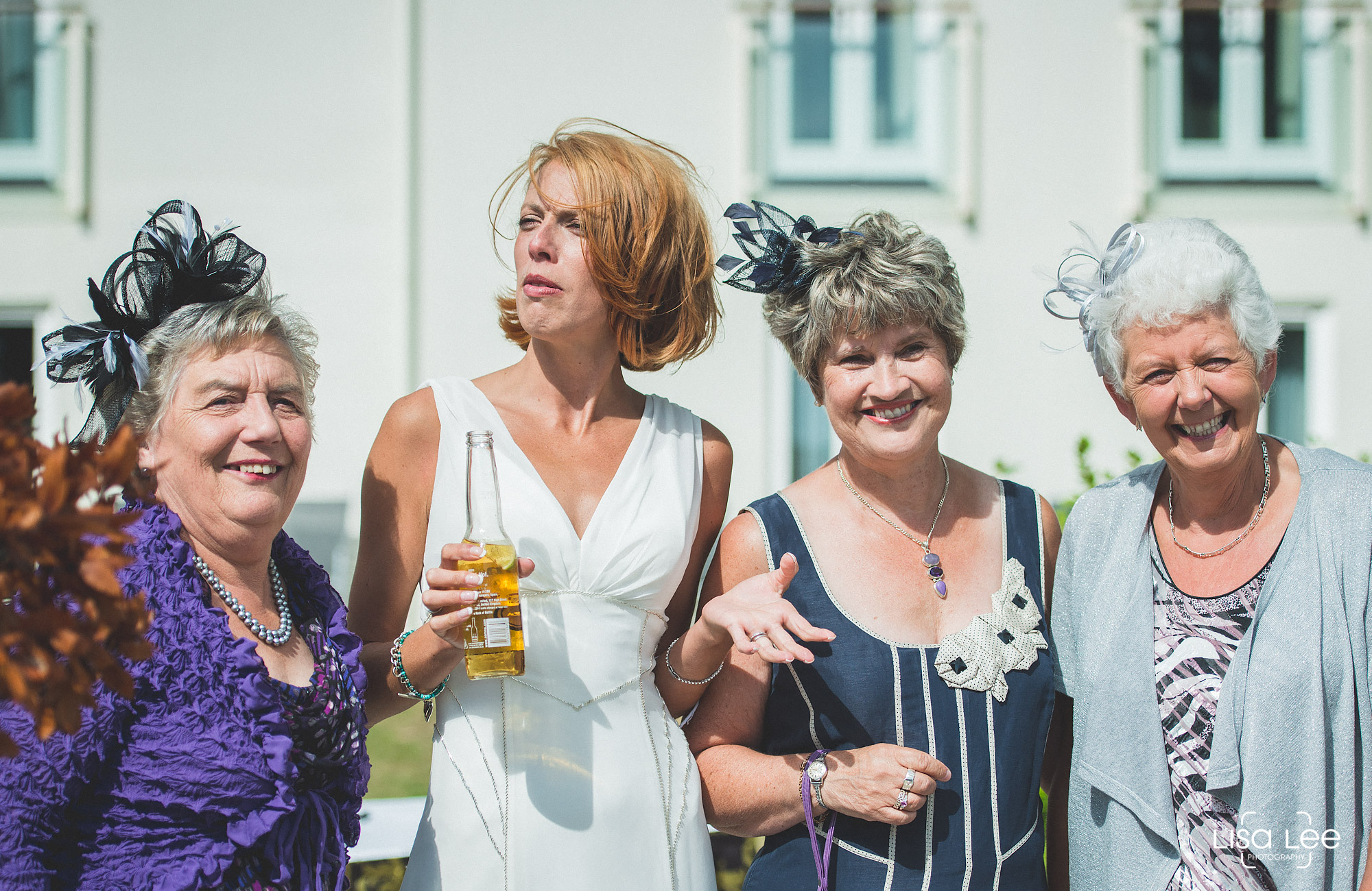 lisa-lee-wedding-photography-christchurch-dorset-bride5.jpg