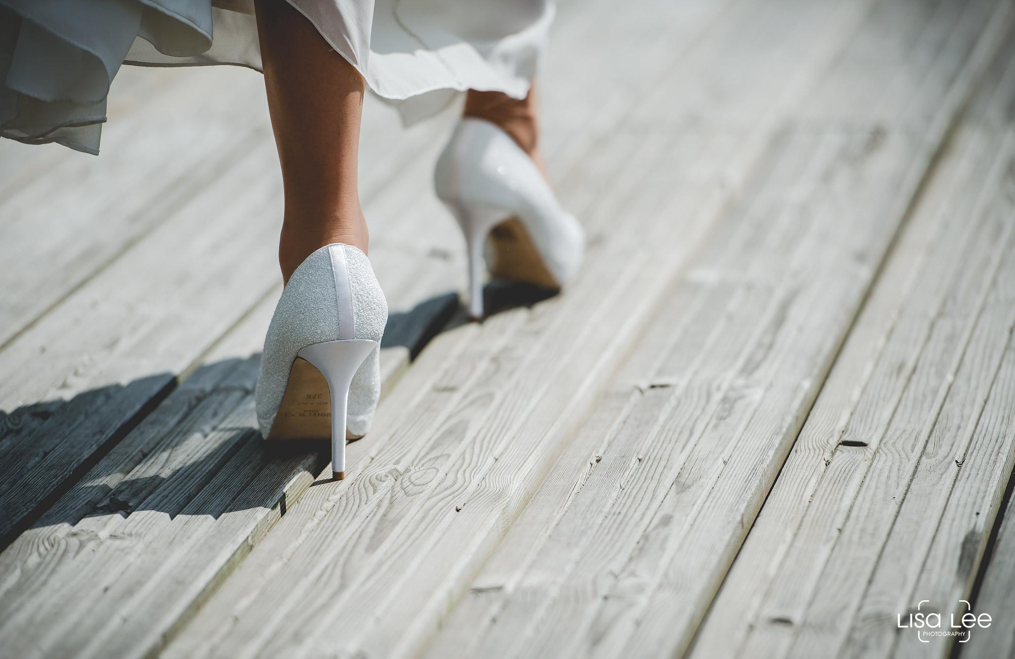 lisa-lee-wedding-photography-christchurch-dorset-brideshoe.jpg