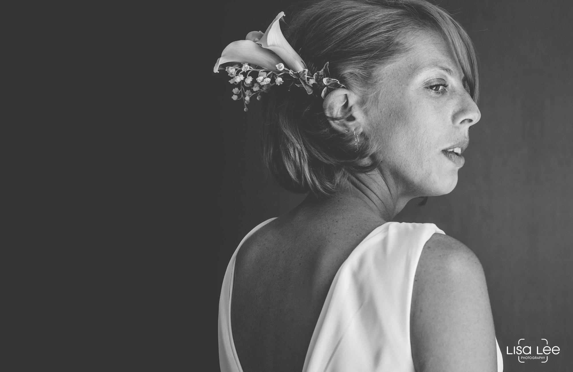 lisa-lee-wedding-photography-christchurch-dorset-bride2.jpg