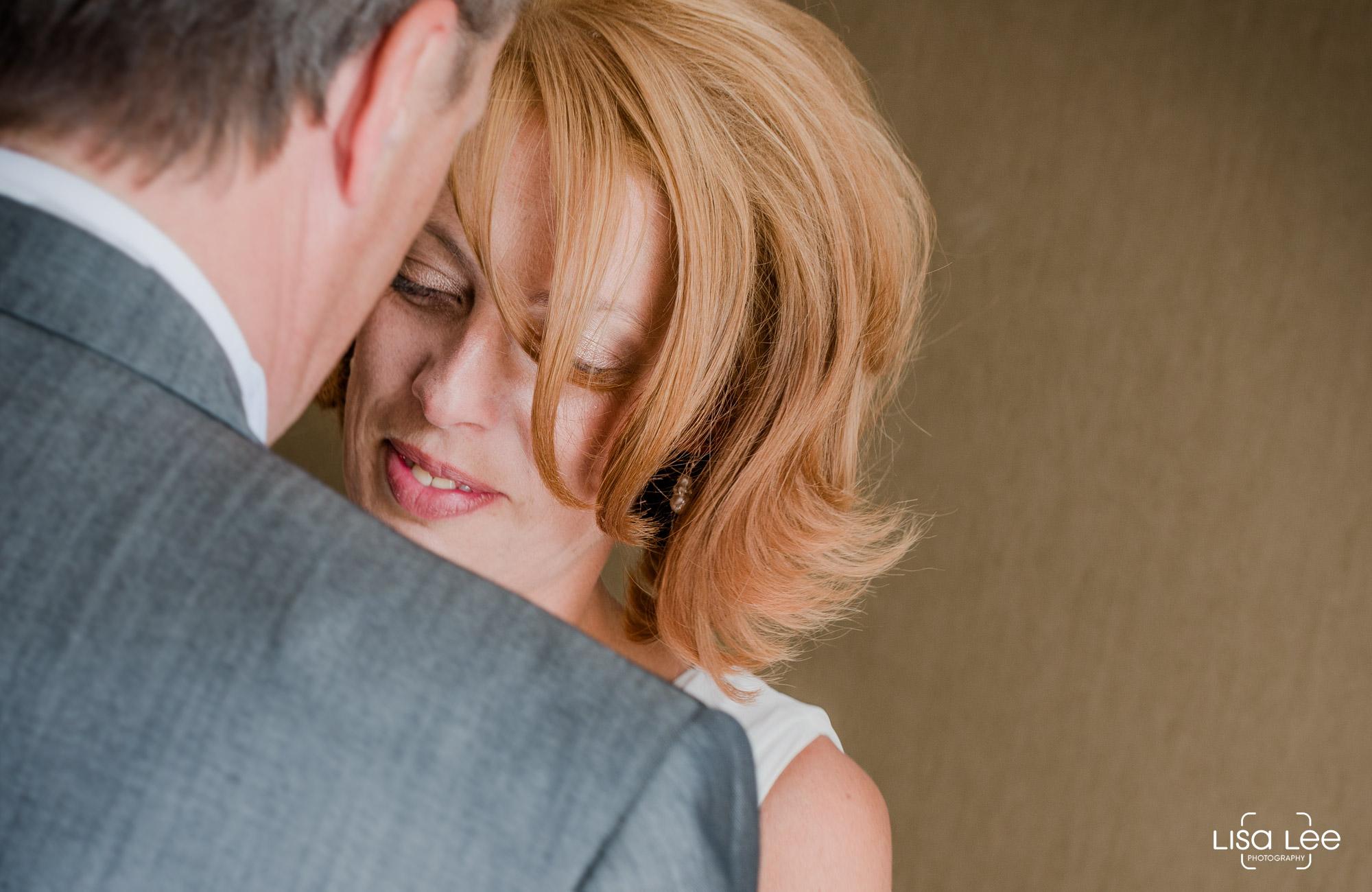 lisa-lee-wedding-photography-christchurch-dorset-bride3.jpg