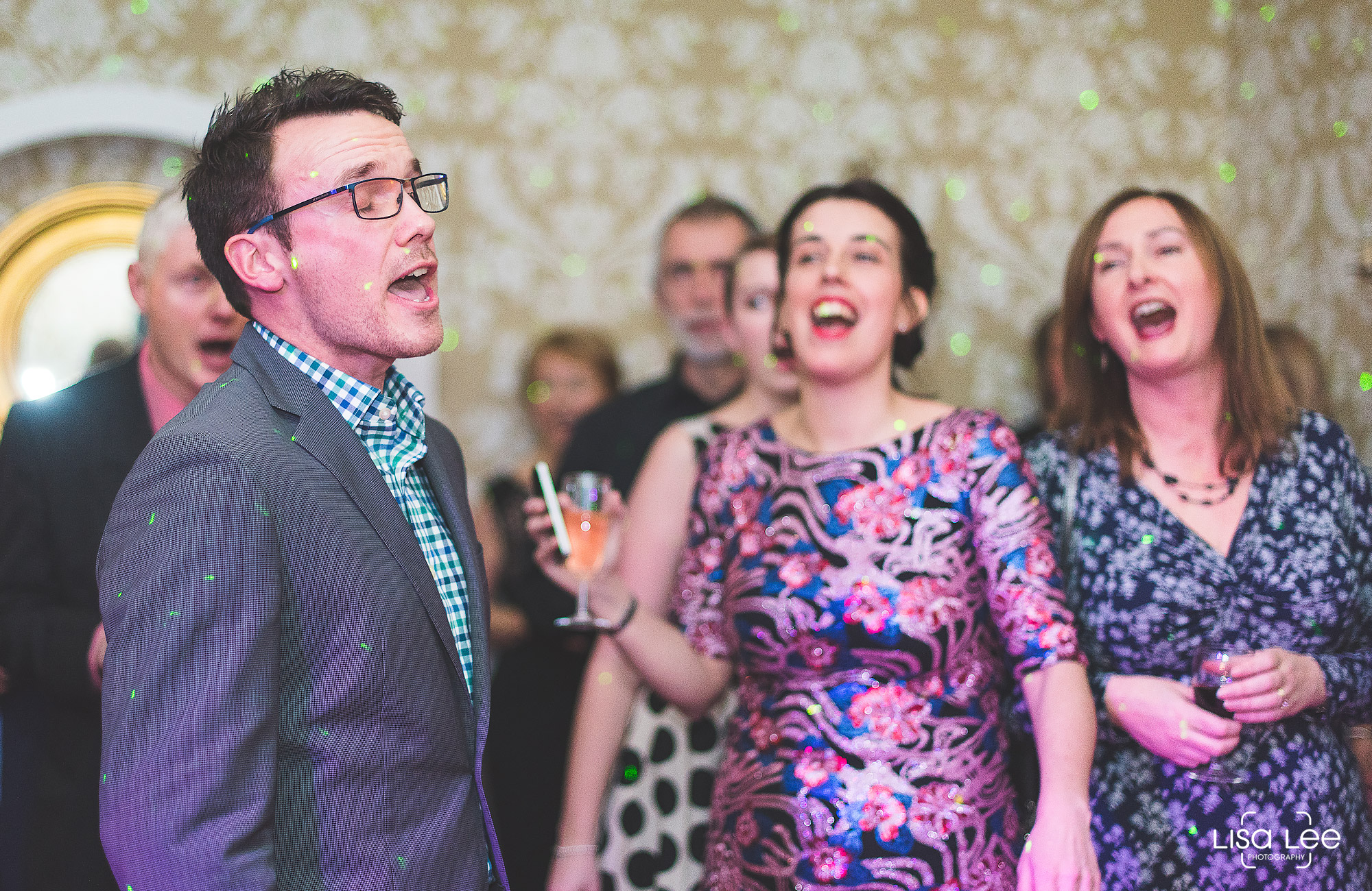 lisa-lee-wedding-photography-singing.jpg