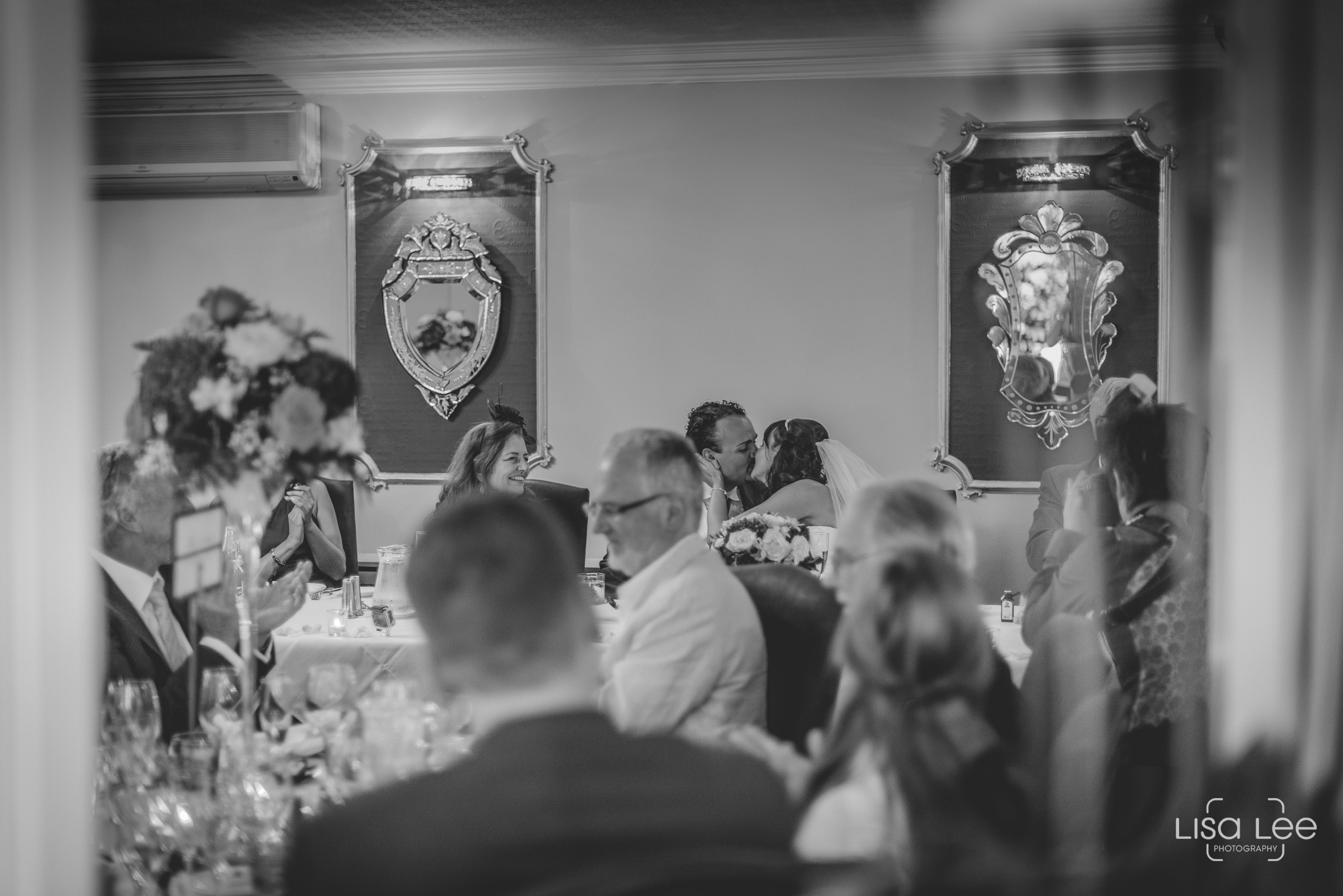 Lord-Bute-Hotel-Lisa-Lee-Documentary-Wedding-Photography-6.jpg