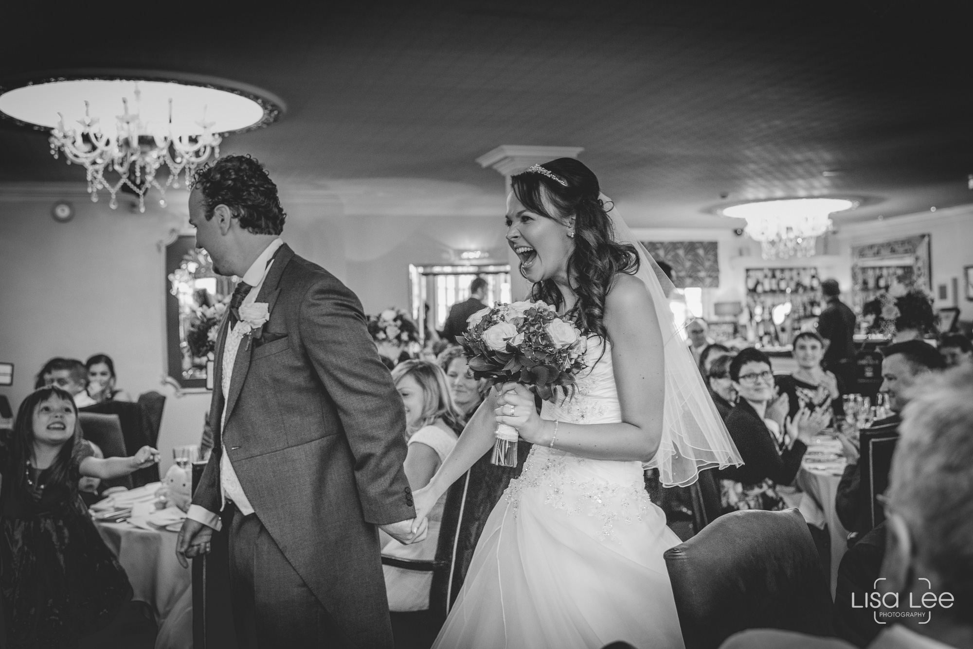 Lord-Bute-Hotel-Lisa-Lee-Documentary-Wedding-Photography-4.jpg