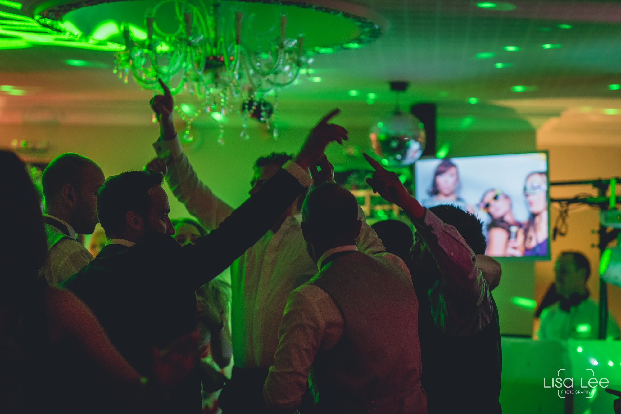 Lord-Bute-Hotel-Lisa-Lee-Documentary-Wedding-Photography-party-15.jpg