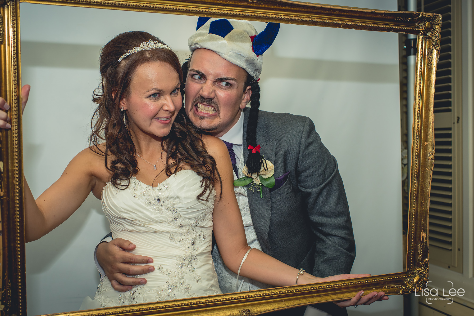 Lord-Bute-Hotel-Lisa-Lee-Documentary-Wedding-Photography-party-17.jpg