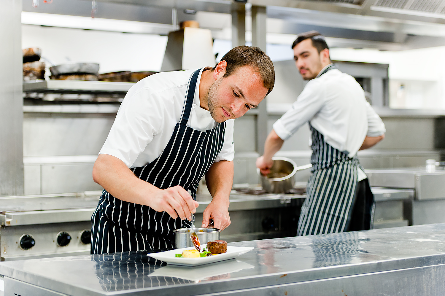 lifestyle-photography-dorset-kings-college-events-chef3.jpg