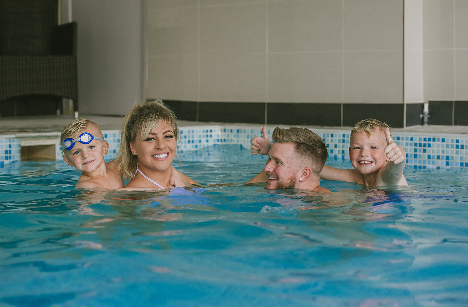 creative-commercial-lifestyle-photography-family-fun-pool.jpg