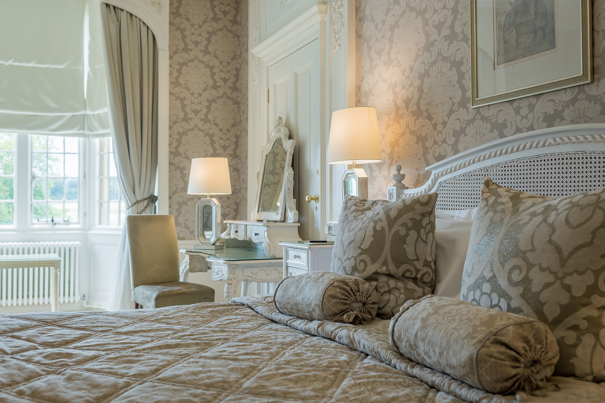 hotel-bedroom-photography-bed-detail.jpg