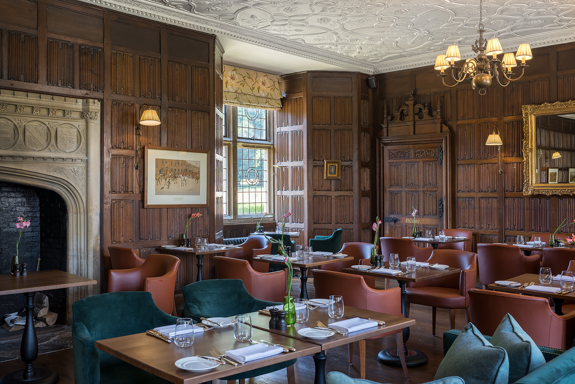 hotel-brasserie-table-photography.jpg