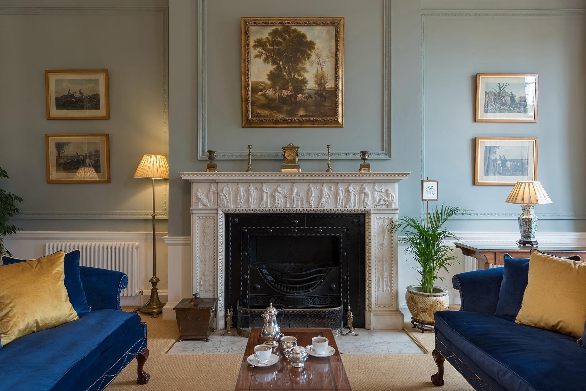 hotel-lounge-fireplace.jpg