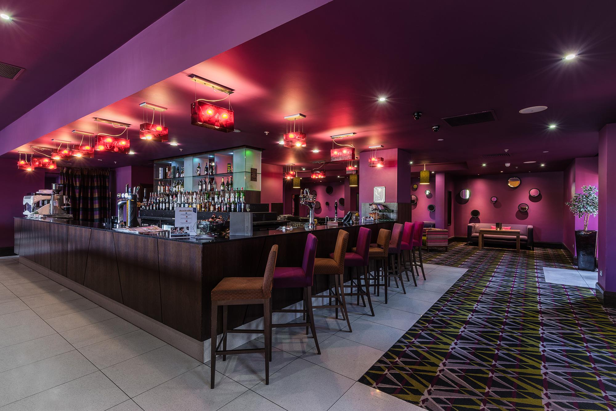 hotel-pink-modern-bar.jpg
