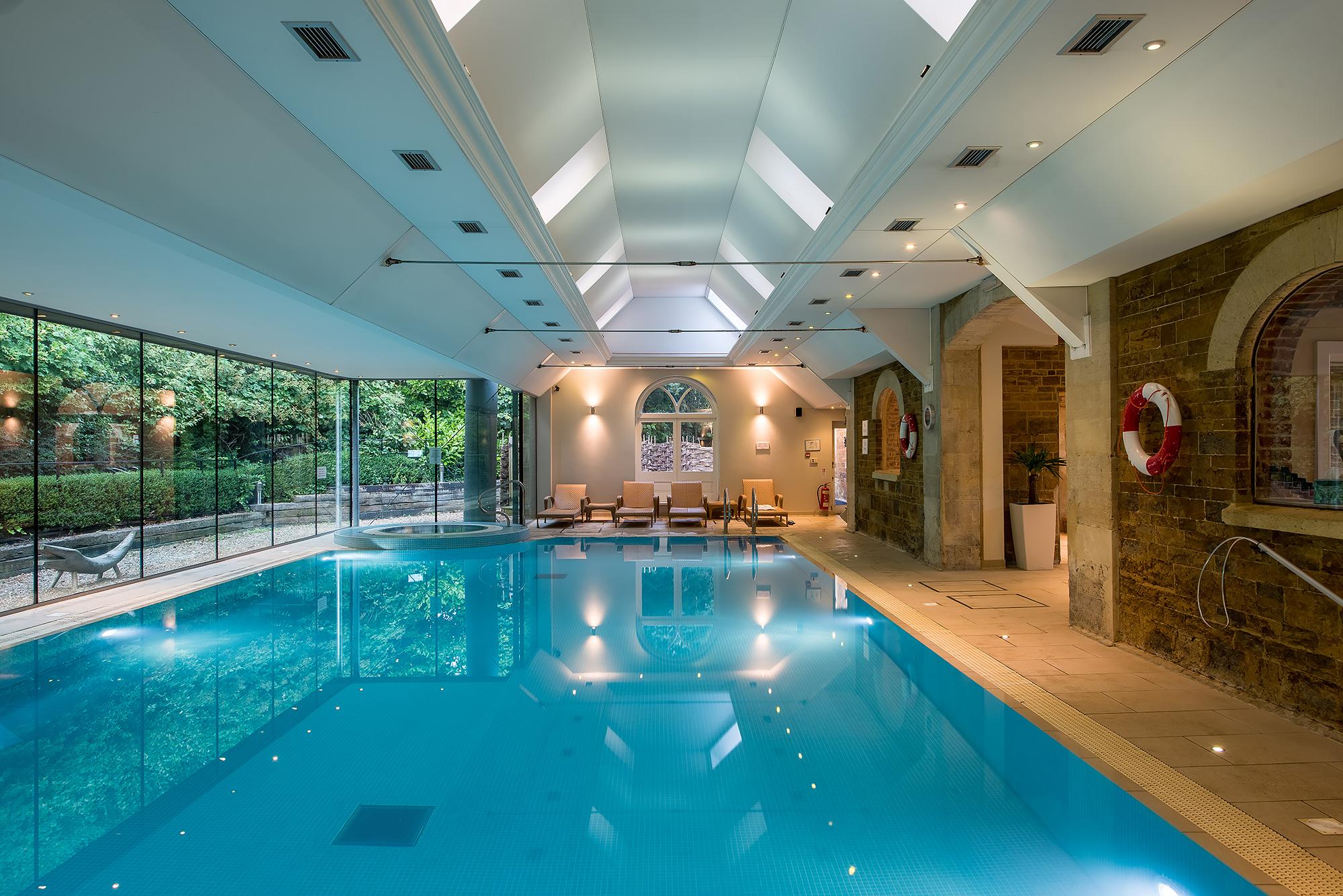 hotel-pool-photography.jpg