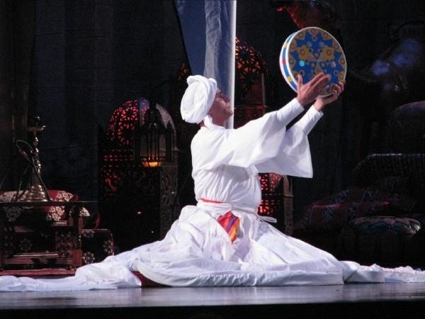 Aladin El Kholy performing Tanoura in Egyptian Nights